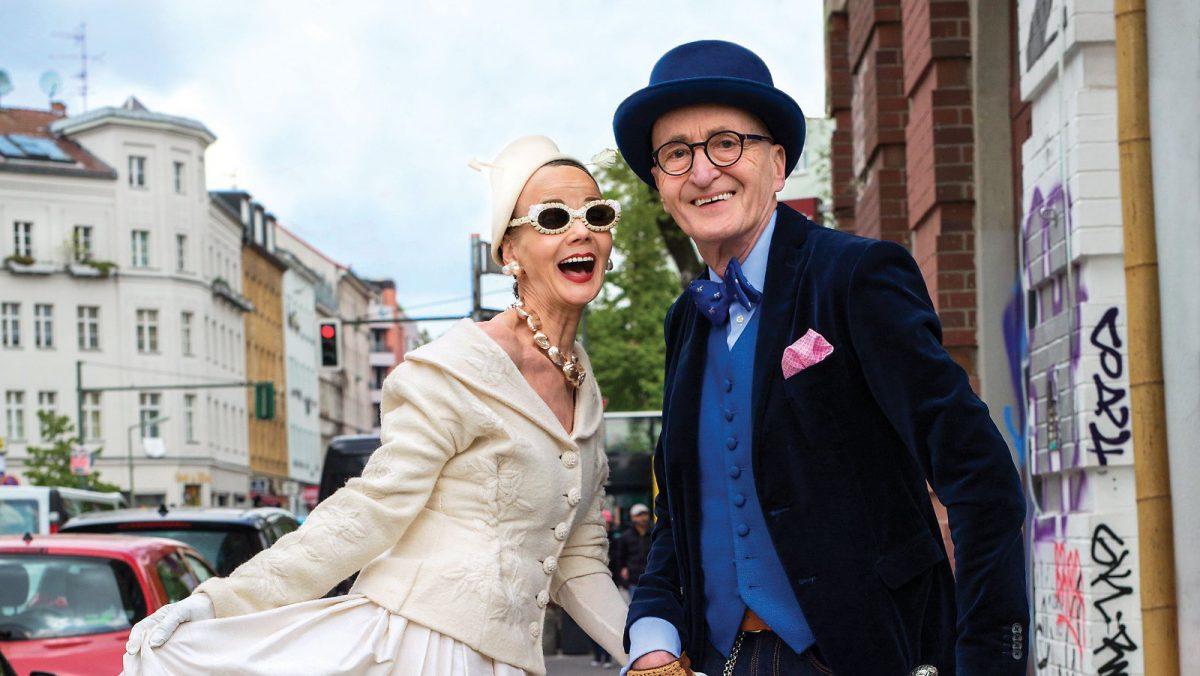 Die Berliner Stilikonen Britt Kanja und Günther Krabbenhöft als Cover-Models