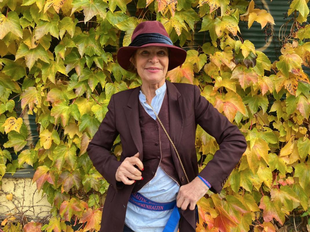 Barbara Engel Abstand Zusammenhalten