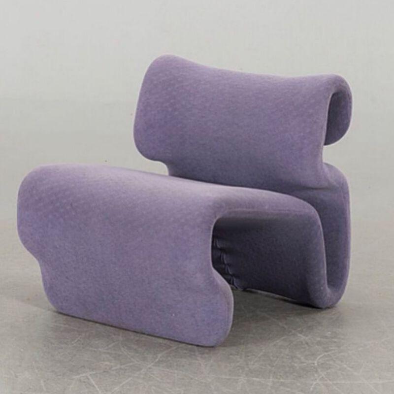 Fliederfarbener Design-Sessel