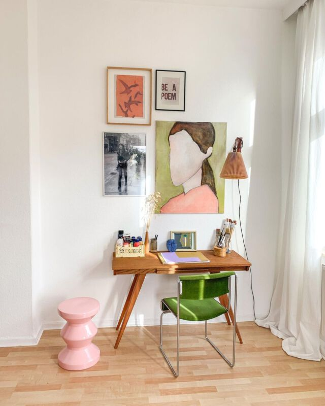 Hübsch dekoriertes Home-Office