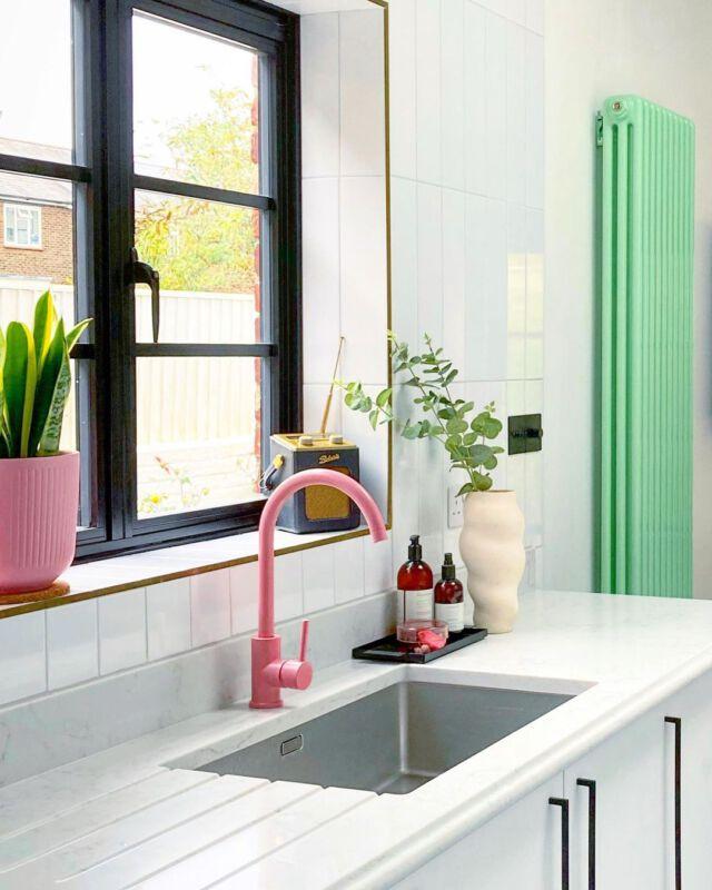 Pastellfarbene Akzente in der Küche