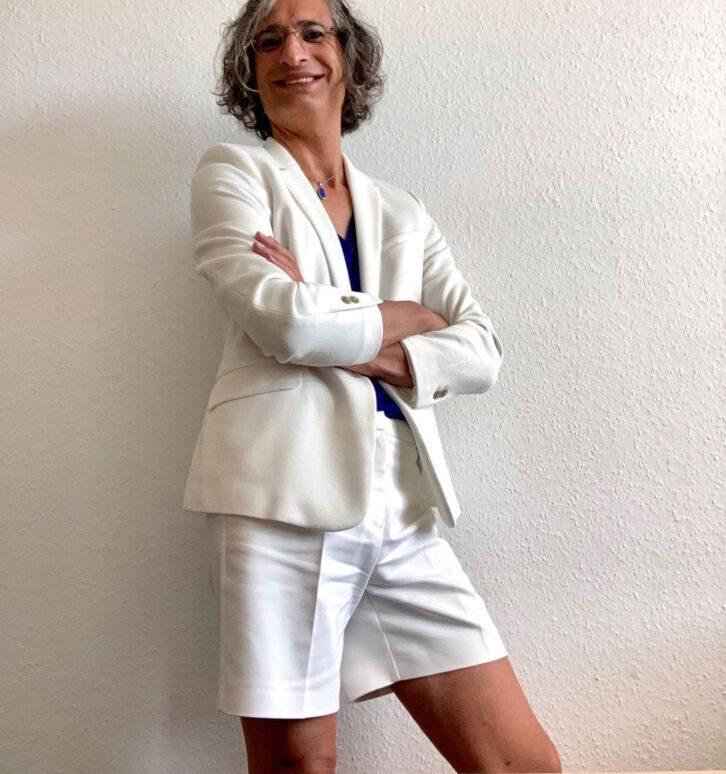 Stéphane Bonutto liebt es als Mann Frauenkleider zu tragen