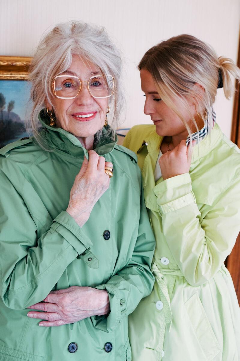 Mode über 70 Luisa Hartung und ihre Großmutter Angola von Style is ageless