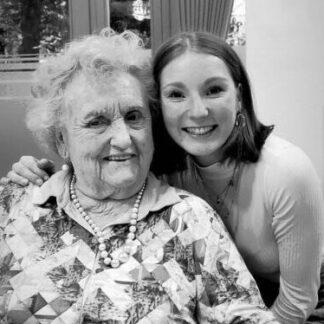 Interview über Demenz im Alter Oma Lotte und Enkelin Sina Dauernheim