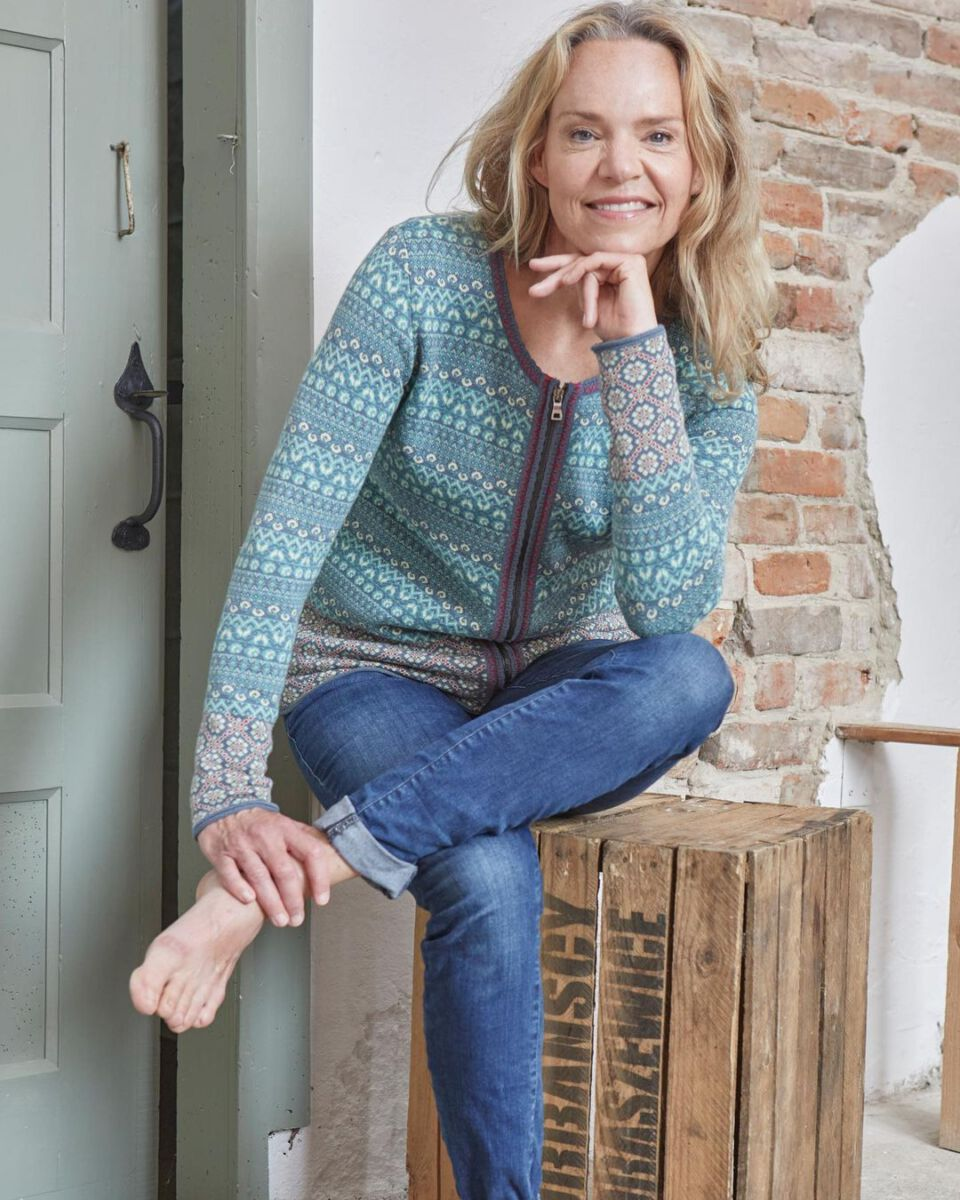 Sabine Heyden-Straub testet die Pflegeprodukte von Venya