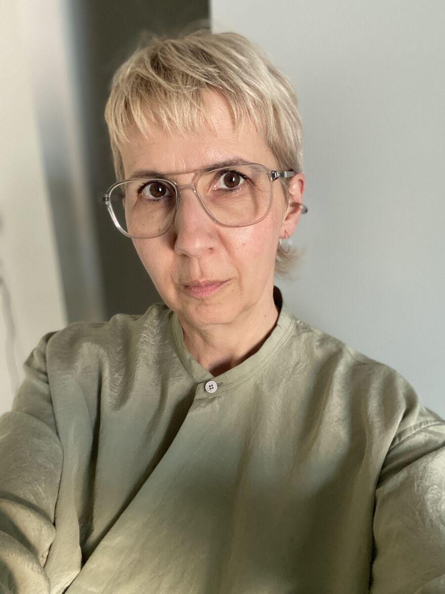 Kerstin Geffert testet die Pflegeprodukte von Venya