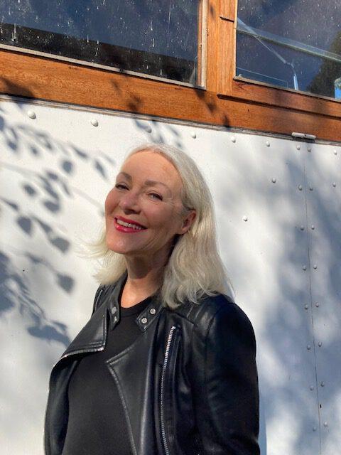 Sabine Stein-Renken testet die Pflegeprodukte von Venya